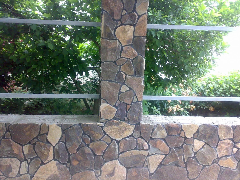 Столбики из камня своими руками фото